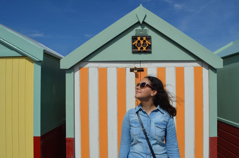 Cabanas coloridas na beira da praia, Brighton, Inglaterra - Sete Mil Km - Um dia em Brighton