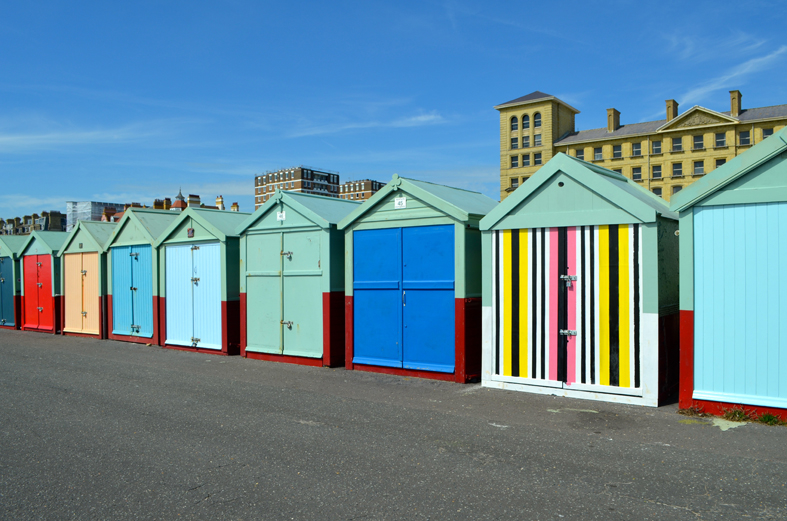 Casinhas coloridas na beira da praia, Brighton, Inglaterra - Sete Mil Km - Um dia em Brighton
