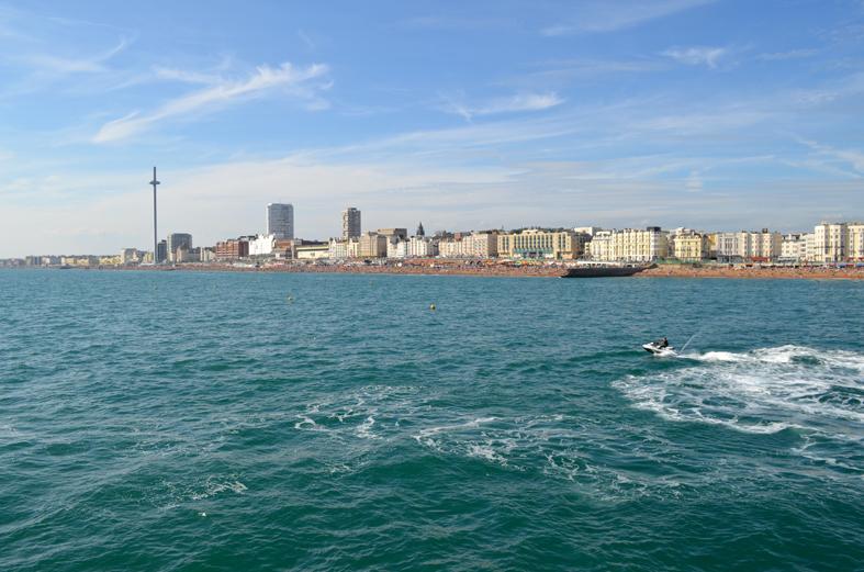 Vista da orla de Brighton, Inglaterra - Sete Mil Km - Um dia em Brighton
