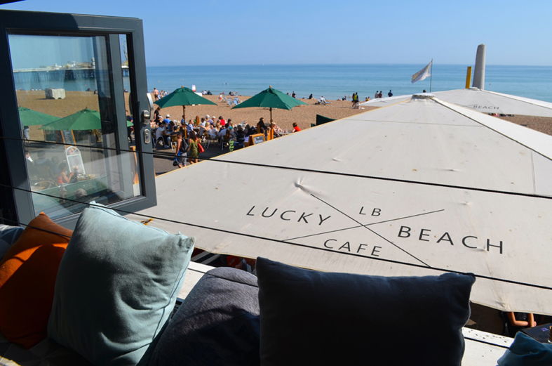 Restaurante na beira da praia em Brighton - Sete Mil Km - Um dia em Brighton