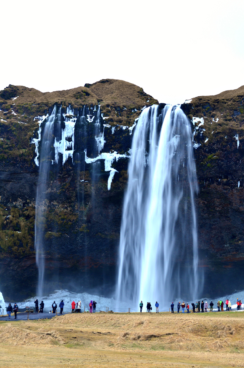 Cachoeira Seljalandsfoss - costa sul da Islândia