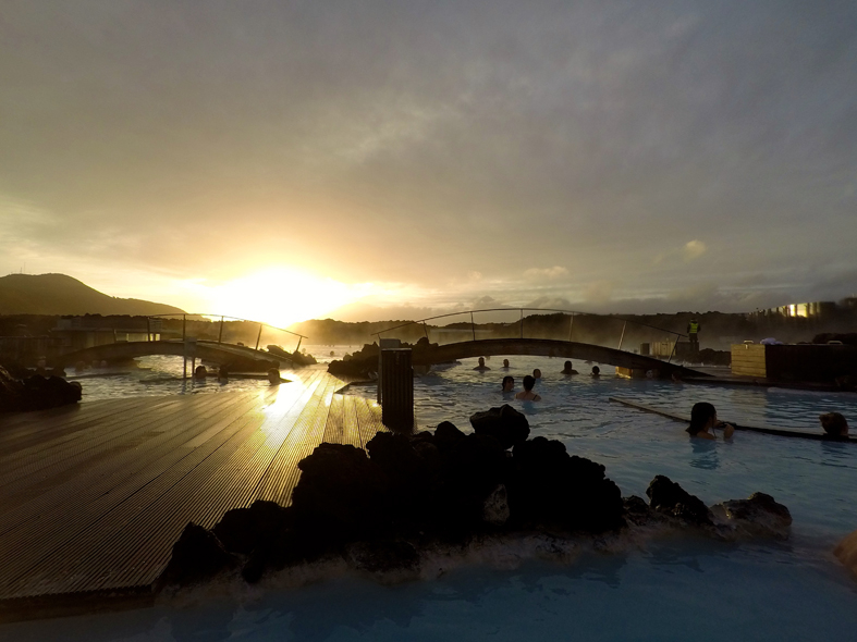 Pôr do sol na Blue Lagoon - Lagoa Azul -Islândia
