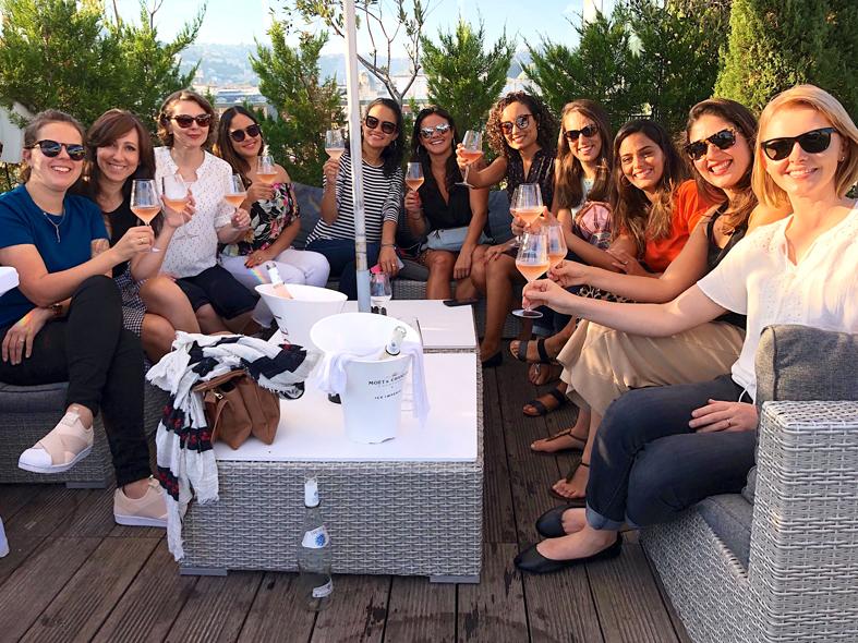 Brinde no rooftop em Nice