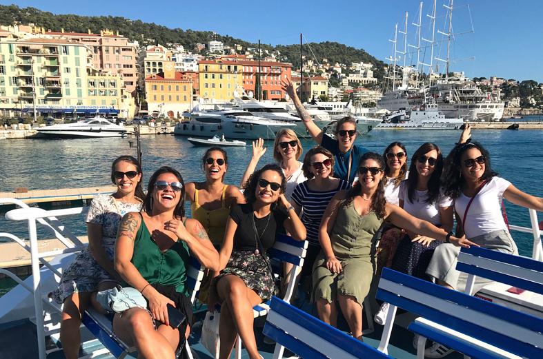 Grupo no passeio de barco